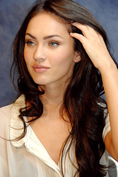 http://kfsone.files.wordpress.com/2007/10/megan_fox_1.jpg